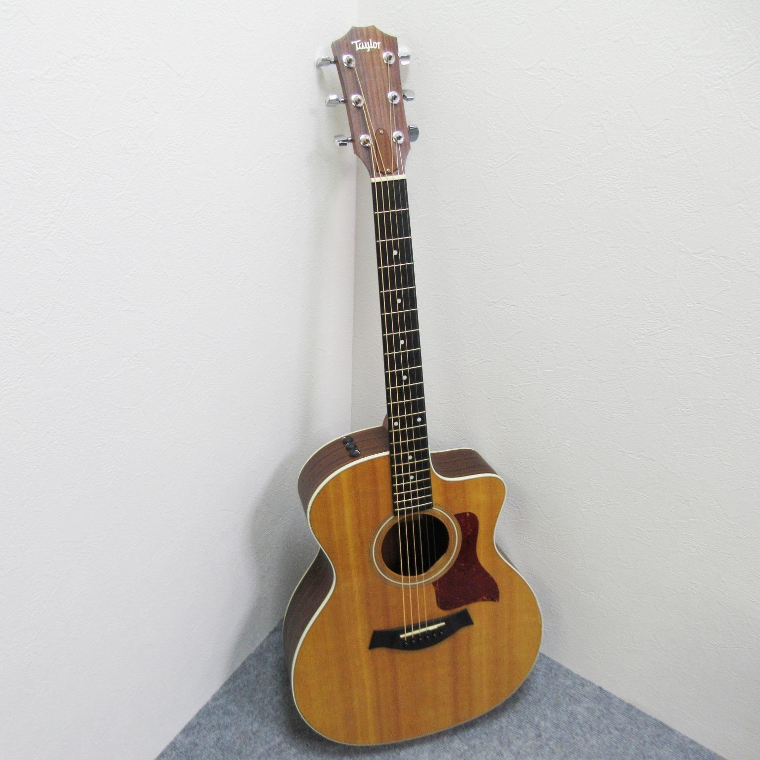 Taylor 214ce エレアコギター