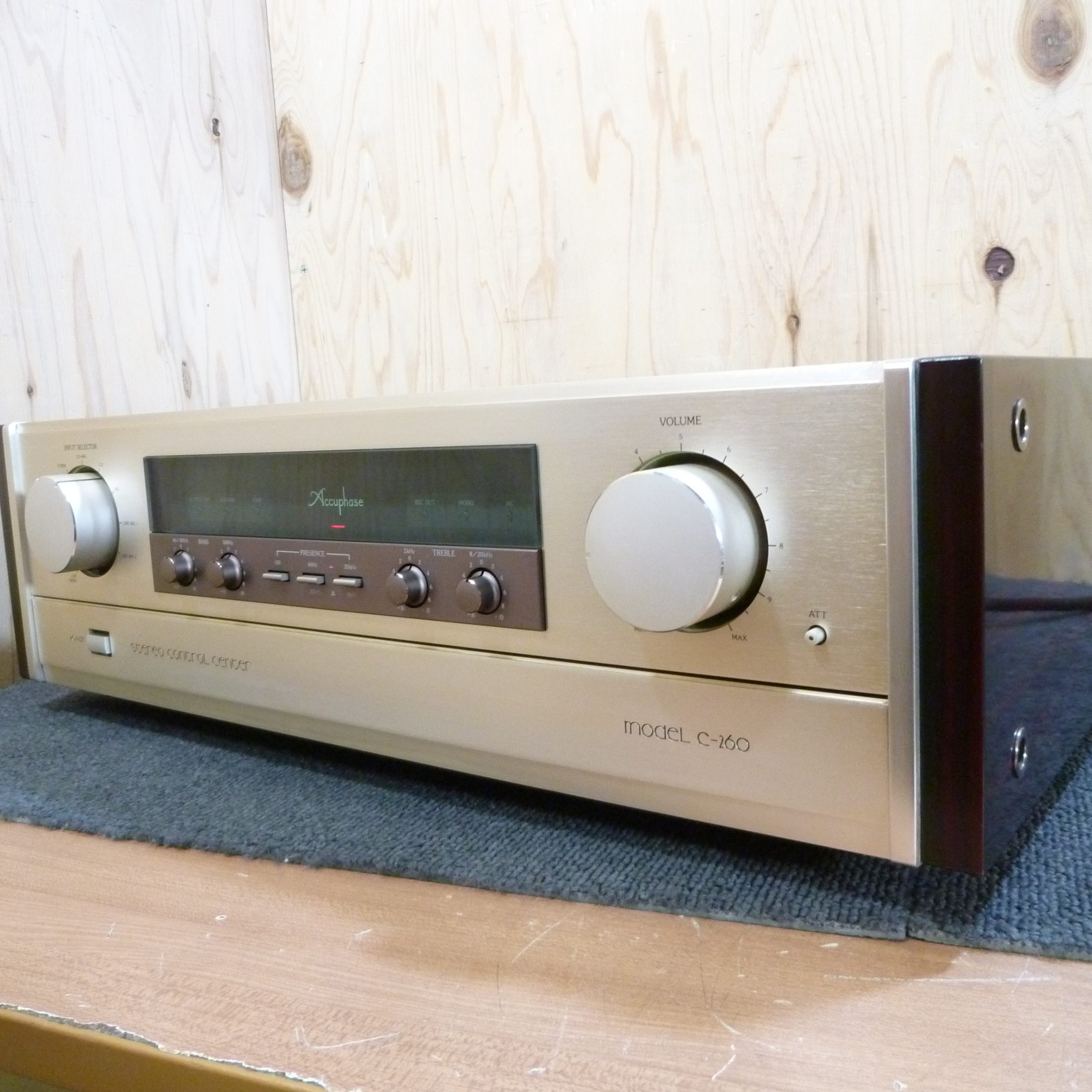 Accuphase / C-260
